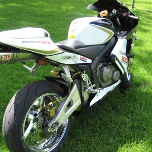 Heres My 2004 Cbr 600rr Gets A Lot Of Attention