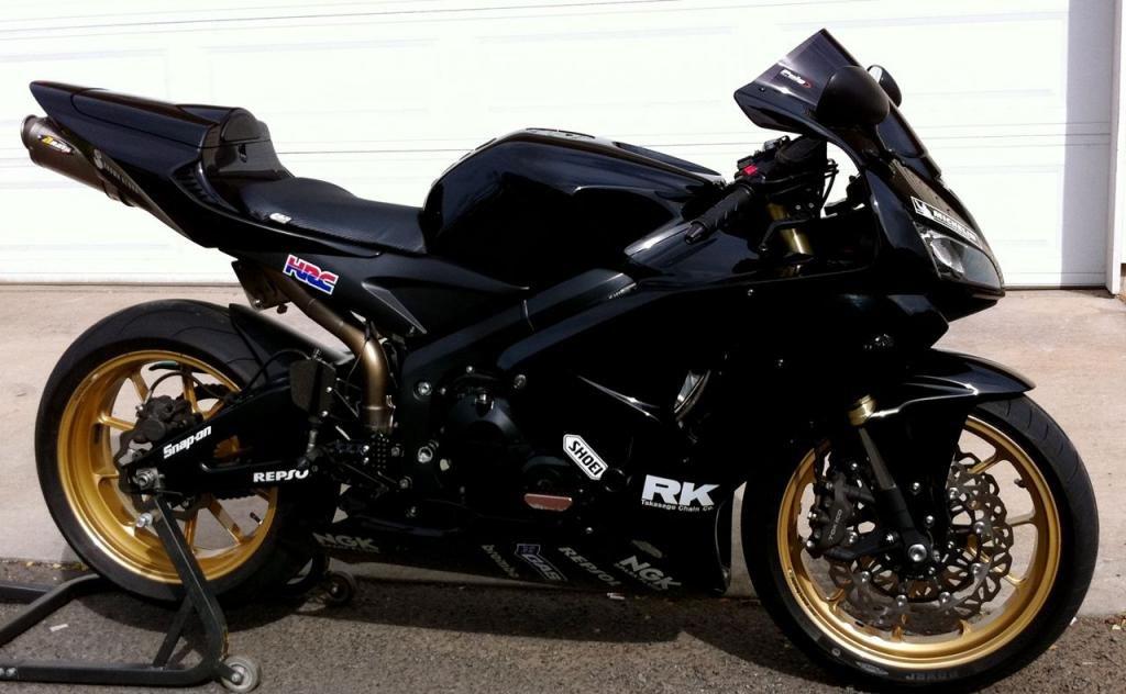 Black with bronze wheels - 600RR net